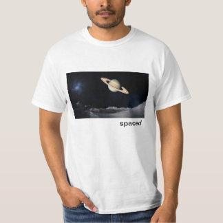 Camiseta espaciada camisas
