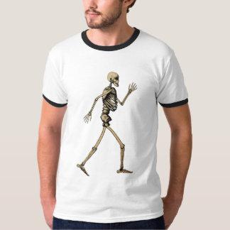 Camiseta esquelética que camina