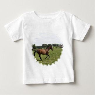 Camiseta excelente galopante del bebé playera