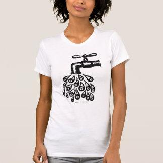 Camiseta fresca abstracta de la agua corriente del poleras