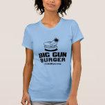 Camiseta grande de la hamburguesa del arma