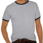 Camiseta gris del campanero de la ruina del tren
