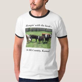 Camiseta:  Hangin con la manada-- en el condado de Playera