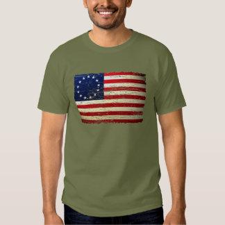 Camiseta hecha andrajos vintage de la bandera camisas