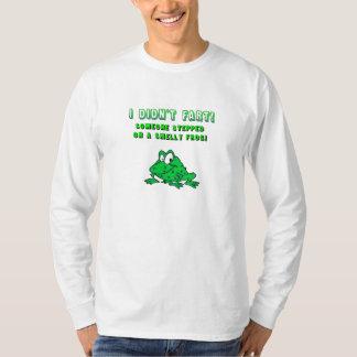 Camiseta hedionda de la rana playeras