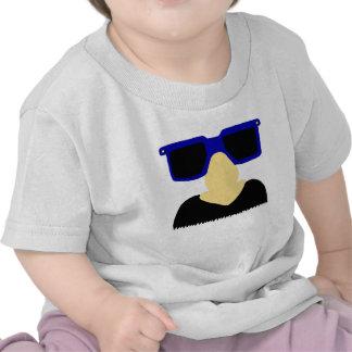 Camiseta incógnita del bigote y del niño de los vi