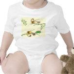 Camiseta infantil del bebé con los pájaros de oro