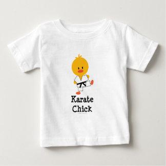 Camiseta infantil del polluelo del karate