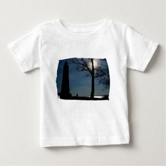 Camiseta infantil determinada de la luna playera