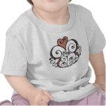 Camiseta infantil roja del adorno del corazón