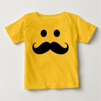 Camiseta infantil sonriente del bigote divertido polera