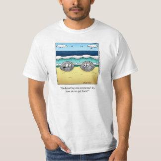 "Camiseta ""inferior"" de niebla divertida del dibujo remera"