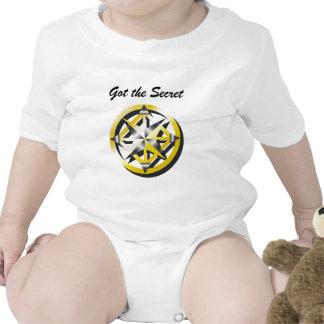 Camiseta interna del niño del compás