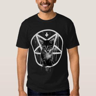 Camiseta invertida del gato de la cruz y del Penta Playera