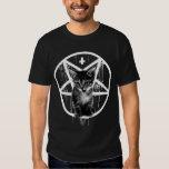 Camiseta invertida del gato de la cruz y del poleras