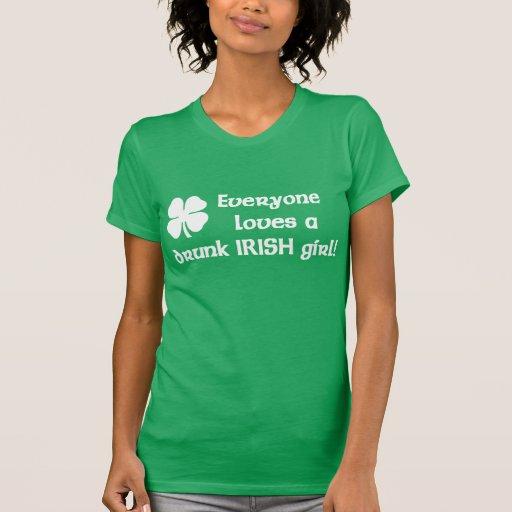 Camiseta irlandesa borracha del chica