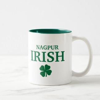 Camiseta irlandesa de encargo orgullosa de la ciud taza dos tonos