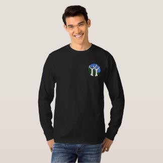 Camiseta larga básica de la manga de los hombres