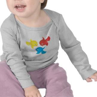 Camiseta linda de los niños y de los niños de los