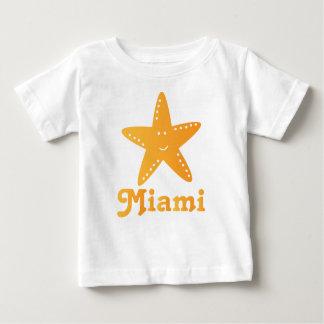 Camiseta linda del bebé de las estrellas de mar de