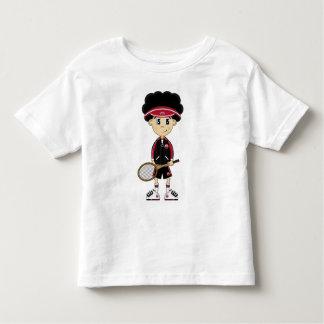 Camiseta linda del muchacho del tenis