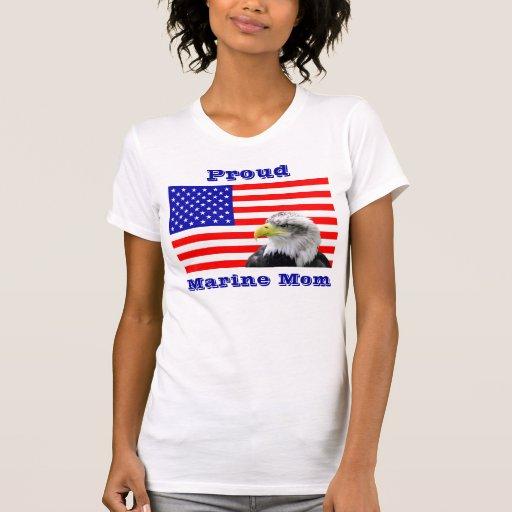 Camiseta marina orgullosa de la bandera de la mamá