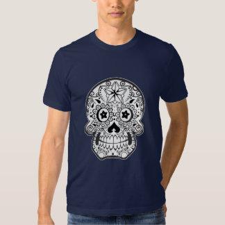 camiseta monocromática blanco y negro del cráneo playeras