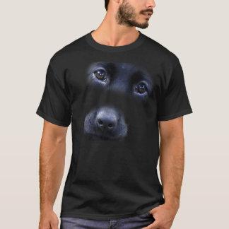 Camiseta negra de la cara del perrito del