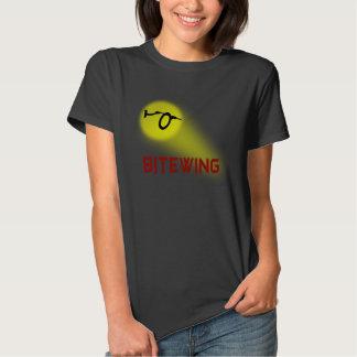 Camiseta negra de la comodidad de las mujeres playera