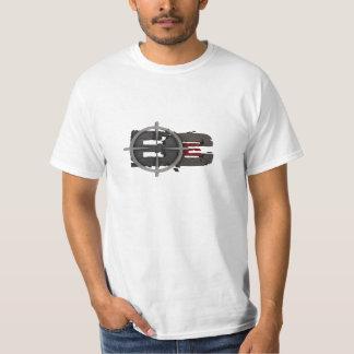 Camiseta negra del entretenimiento de la cala