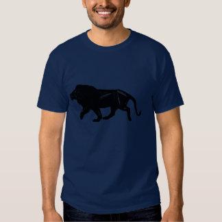 Camiseta negra del león playera