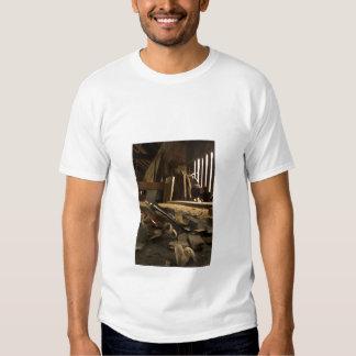 Camiseta ocupada del adulto del taller de los camisas