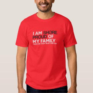"""Camiseta ORGULLOSA de """"mi familia"""" de la ORILLA Polera"""