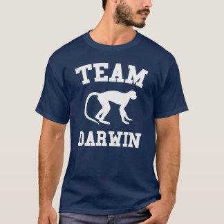 Camiseta oscura de Darwin del equipo