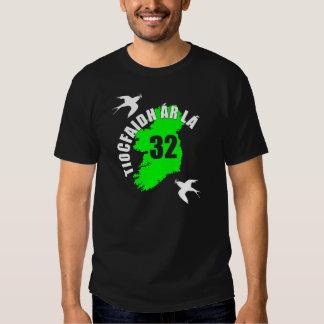 Camiseta para hombre del trago del La de Tiocfaidh Polera