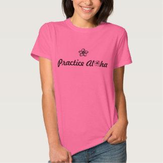 Camiseta para mujer de la hawaiana de la práctica playeras