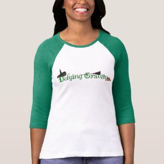 Camiseta para mujer de la manga de la gravedad de