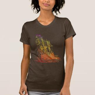 Camiseta para mujer del barco pirata del arco iris playera