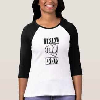 Camiseta para mujer del béisbol del ensayo y error
