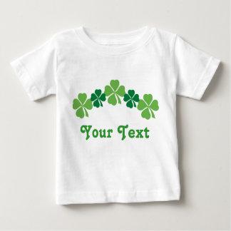 Camiseta personalizada del bebé del día del St Remeras