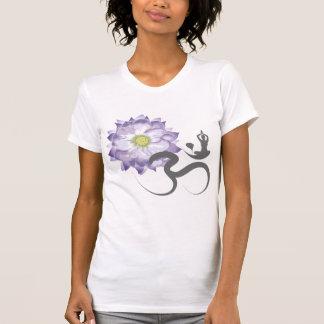 Camiseta púrpura de la caligrafía de OM de la yoga Polera