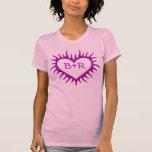 Camiseta púrpura del corazón de la llama