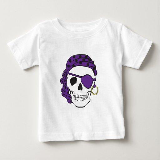 Camiseta púrpura del cráneo del pirata playera