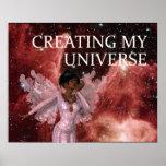 CAMISETA que crea mi universo Poster