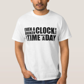 Camiseta quebrada de la tipografía del reloj