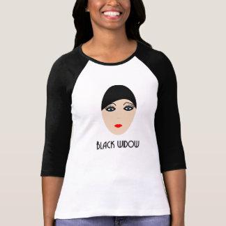 Camiseta ranglan viuda negra