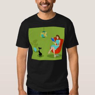 Camiseta retra de la mujer de la lectura playeras