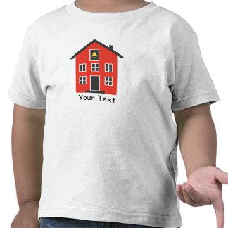 Camiseta roja del niño de la casa de la escuela