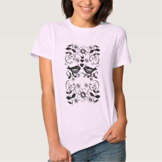 Camiseta romántica linda con los pájaros del amor playera