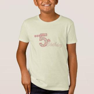 Camiseta rosada del 5to cumpleaños feliz remeras
